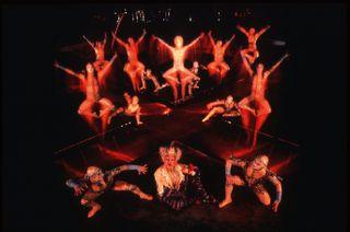 Cirque_Du_Soleil_Alegria3